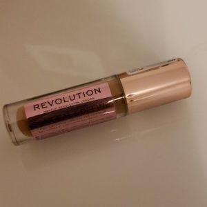 Makeup Revolution Makeup - FREE - REVOLUTION MAKEUP concealer